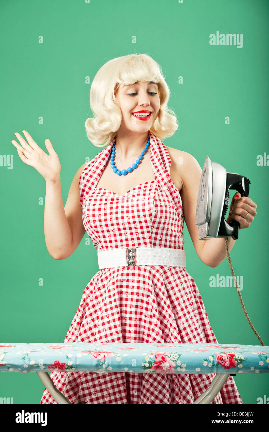 1950s Housewife Immagini   1950s Housewife Fotos Stock - Alamy 2e5bc4e88d08