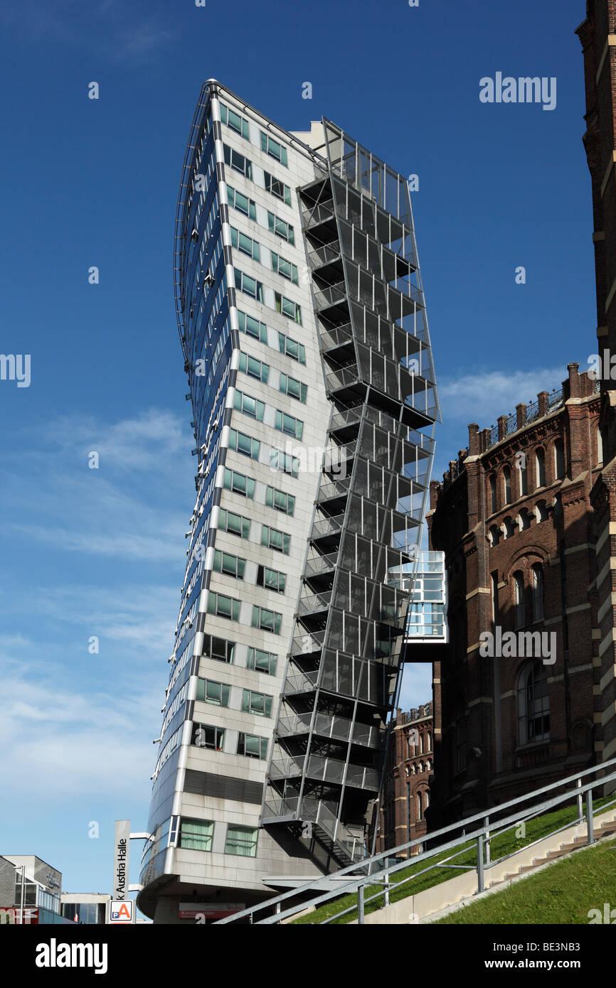 """""""Bambino"""" highrise accanto al gasometro Simmering, Vienna, Austria, Europa Immagini Stock"""