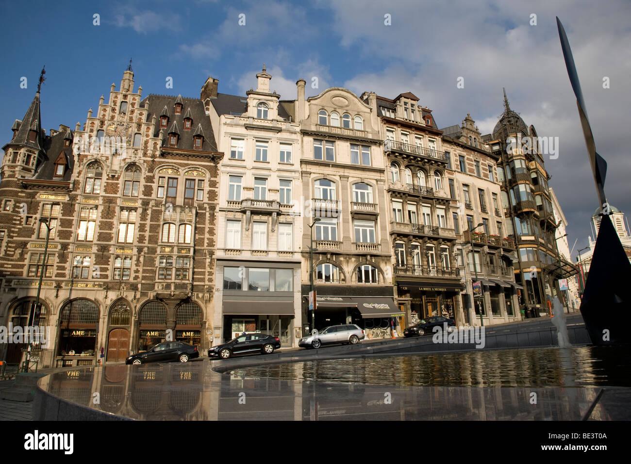Facciate su Rue Montagne de la Cour Street, Bruxelles, Belgio Immagini Stock