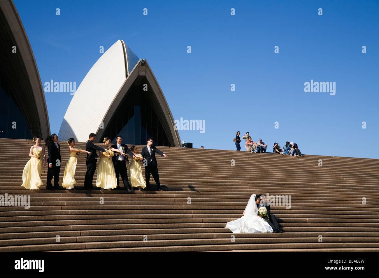 Festa di matrimonio i passi della Sydney Opera House. Sydney, Nuovo Galles del Sud, Australia Immagini Stock