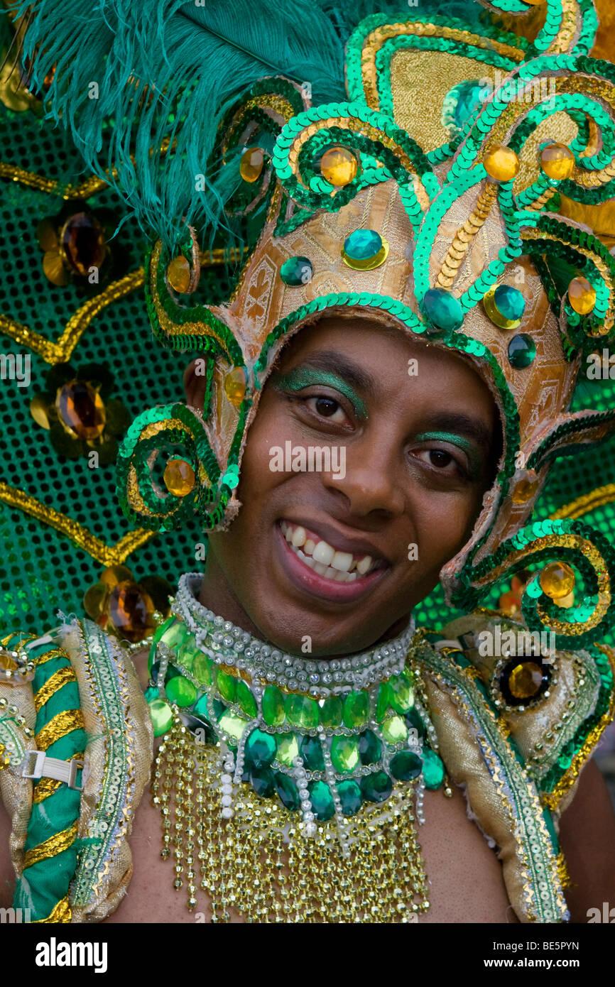 Giovane uomo, Amasonia gruppo, il Carnevale delle culture 2009, Berlino, Germania, Europa Immagini Stock