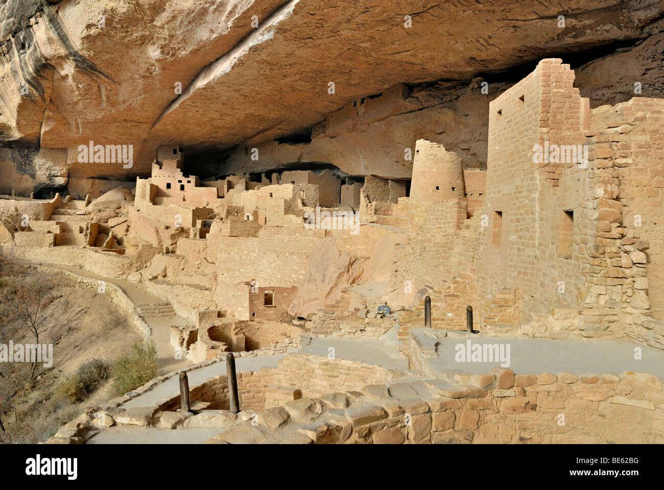 Dimora storica e sito di culto del Puebloans ancestrale, Cliff Palace, vista parziale, circa 1200 DC, parzialmente Immagini Stock