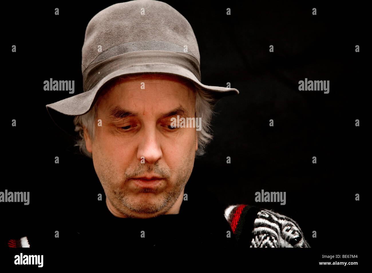 Ritratto di un uomo, 50-55 anni, con coperchio testata Immagini Stock