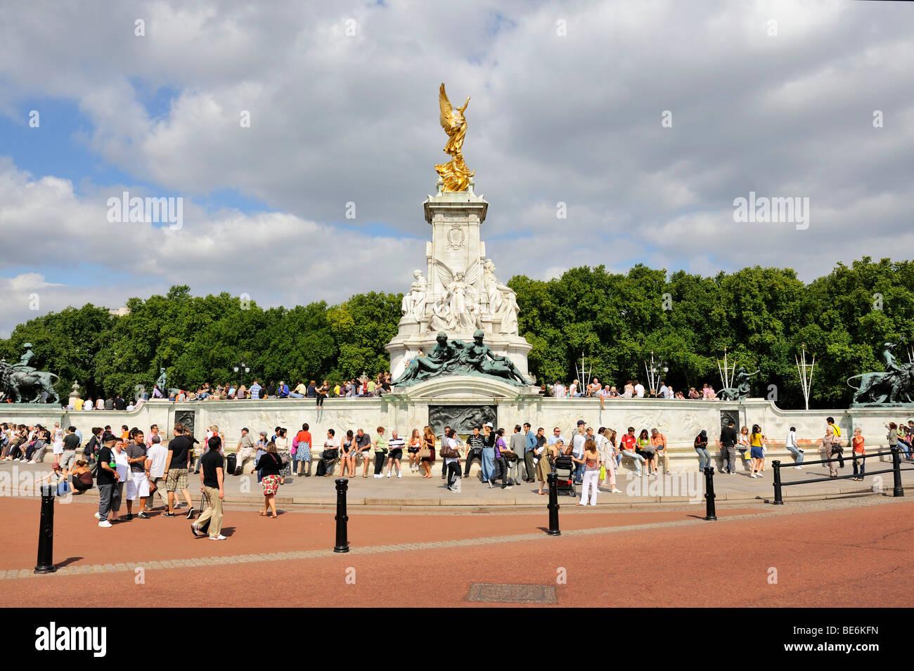 Il memoriale della Victoria a Buckingham Palace, London, England, Regno Unito, Europa Immagini Stock
