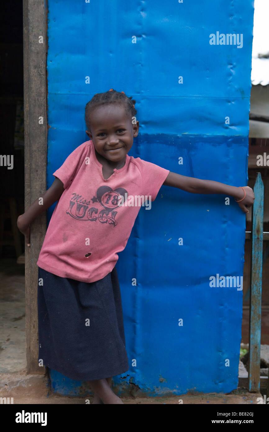 Schivo Girl, Ambodifototra, Nosy Santa Marie, Madagascar, Africa Immagini Stock