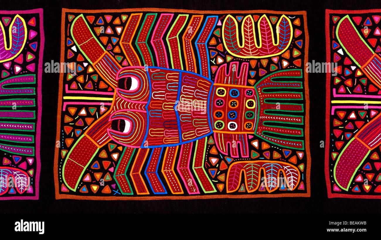 Appliqué decorazione applicata a bluse (Molas) della Kuna indiani ... b54f0d23e1d9