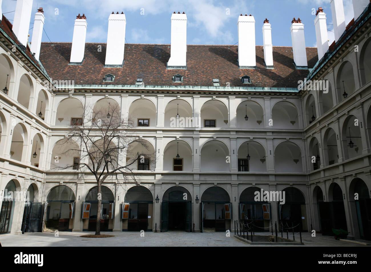 Spanische Hofreitschule, scuola di equitazione, Reitschulgasse, castello di Hofburg di Vienna, Austria Immagini Stock