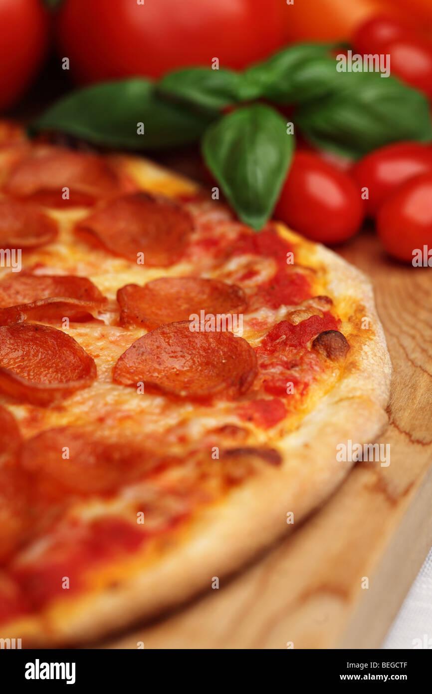 Pizza ai peperoni Immagini Stock