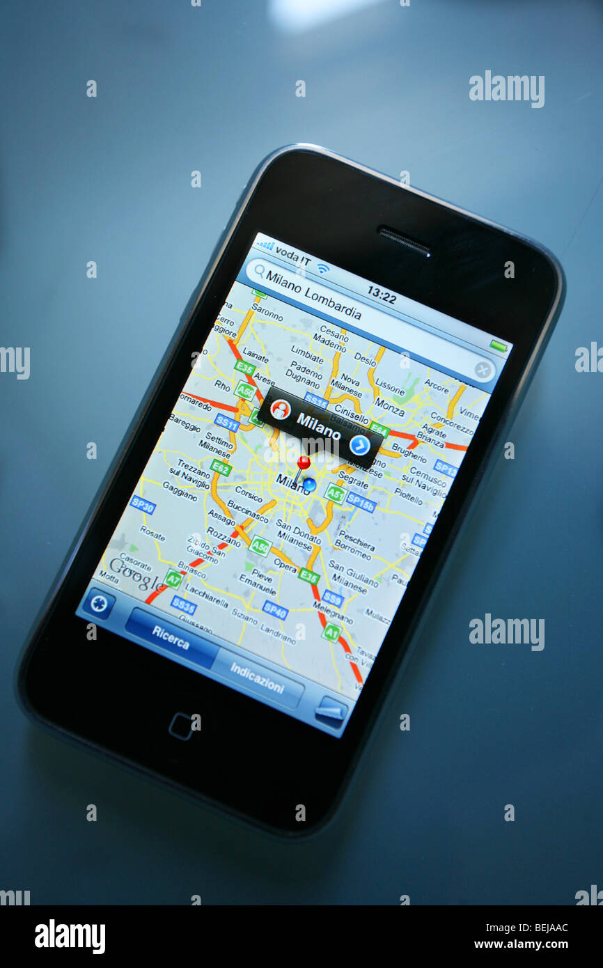 Mappa su i-phone, Milano, Lombardia, Italia Immagini Stock