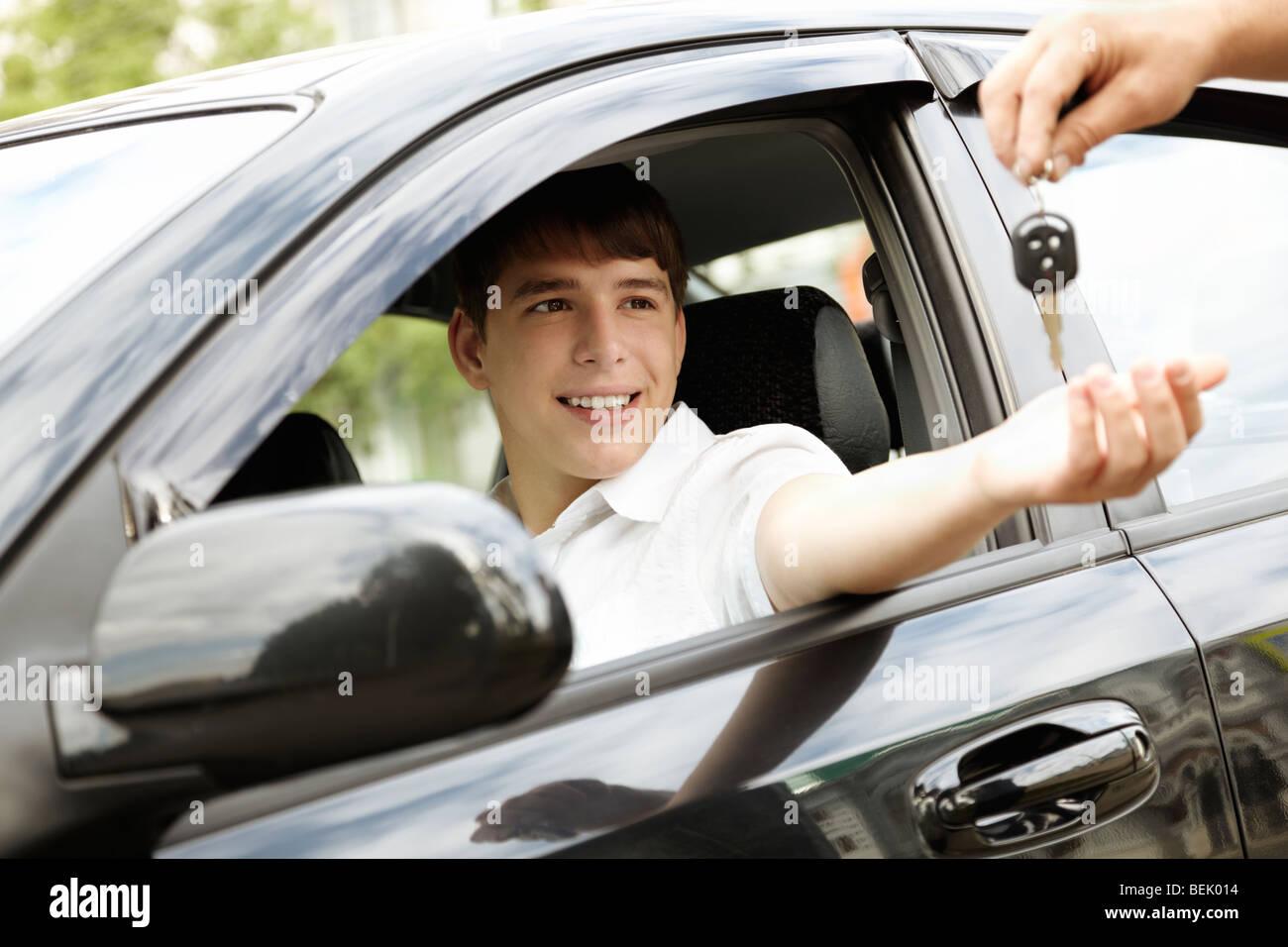 Auto a noleggio o in leasing concetto, messa a fuoco selettiva sugli occhi, tonico speciale foto f/x Immagini Stock