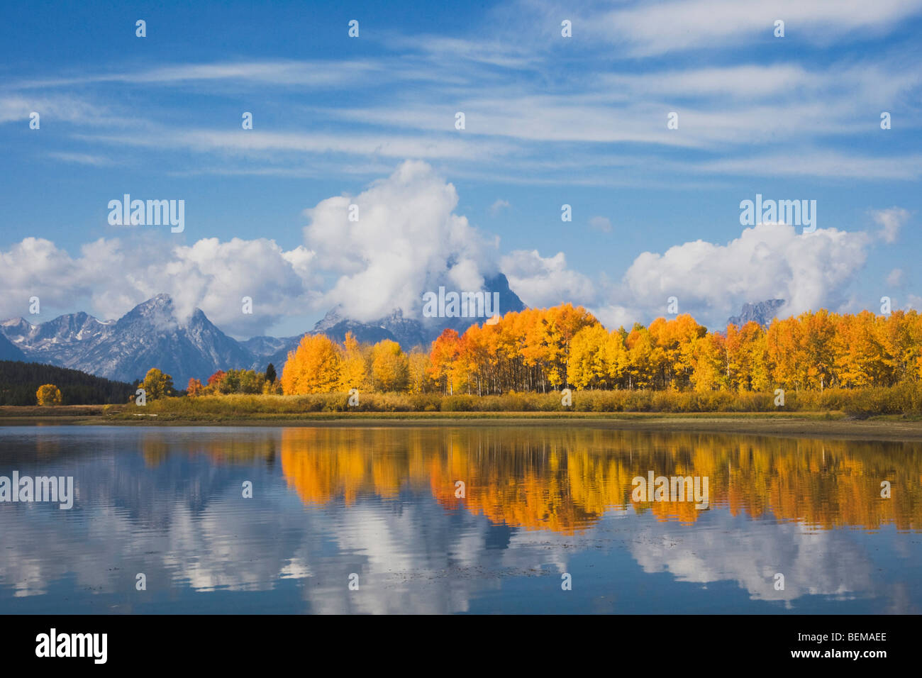 Lanca di flettersi in corrispondenza di sunrise, Snake River, Grand Teton NP,Wyoming, STATI UNITI D'AMERICA Immagini Stock