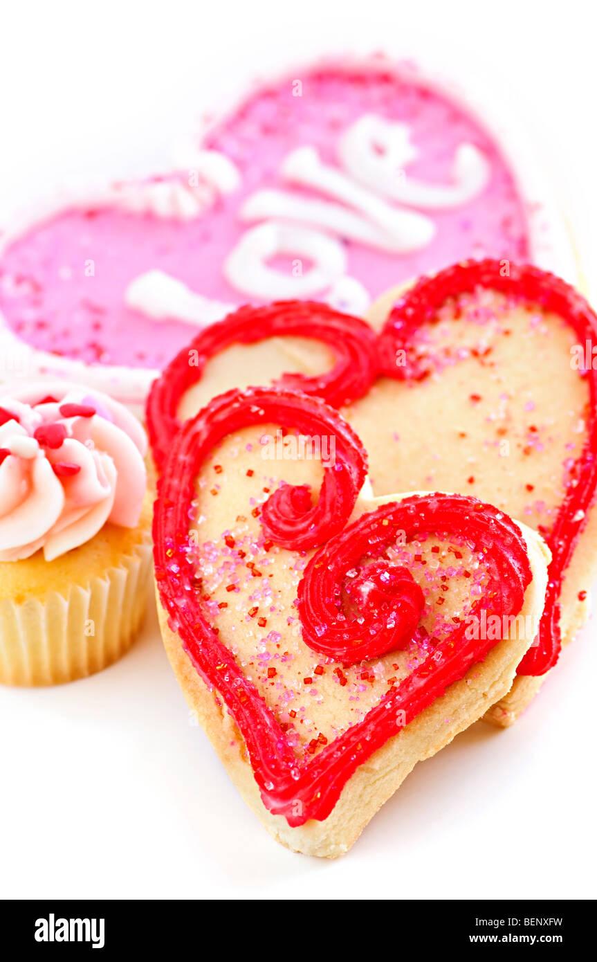 In casa pastafrolla cotta Valentine cookie e Tortina di glassa su sfondo bianco Foto Stock