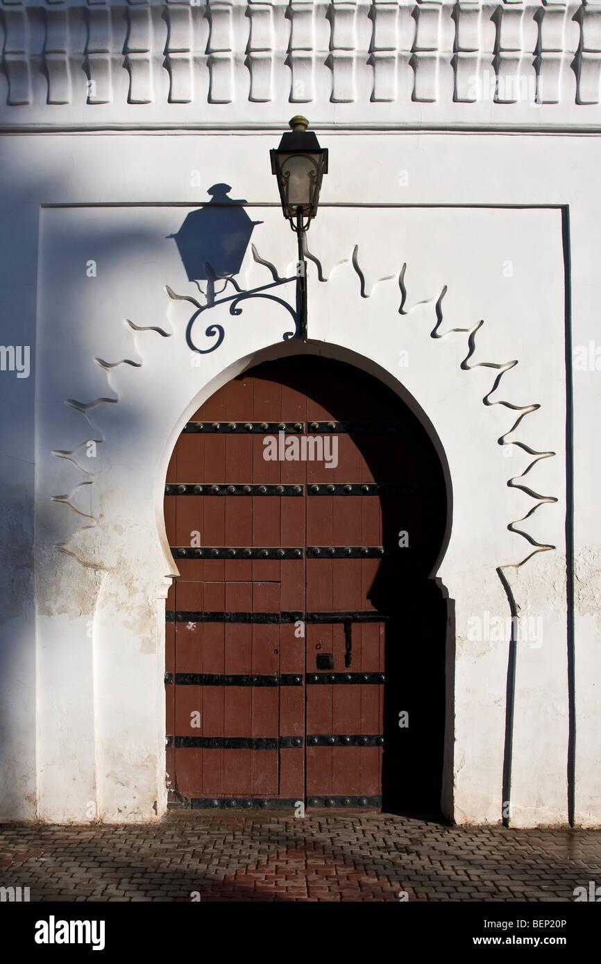 Architettura islamica. Porta d'ingresso alla Koutobia Moschea Islamica. Marrakech, Marocco Immagini Stock