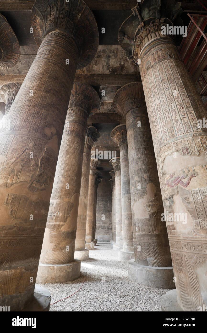 Sala Colonne del Tempio di Khnum di Esna, Esna, Egitto Immagini Stock