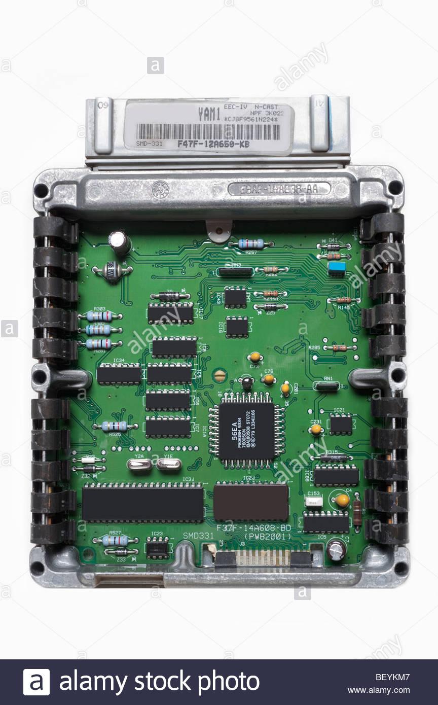 Automotive elettronica del calcolatore di controllo motore Computer ha la maggior parte dei circuiti IC oscurati Immagini Stock
