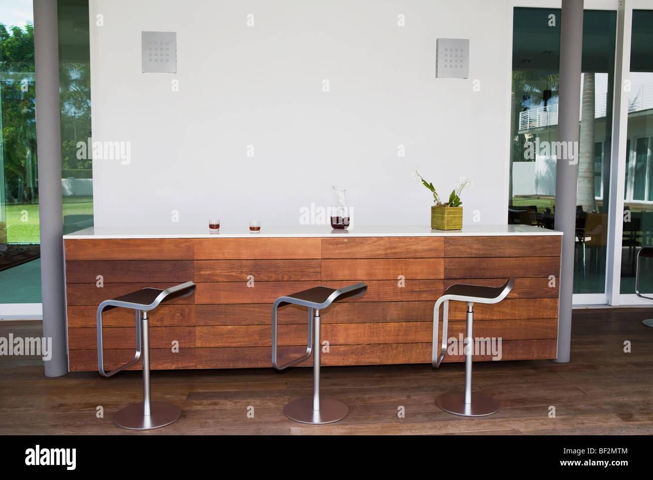 Sgabelli Stile Barocco : Bar decorato in stile barocco immagini & bar decorato in stile