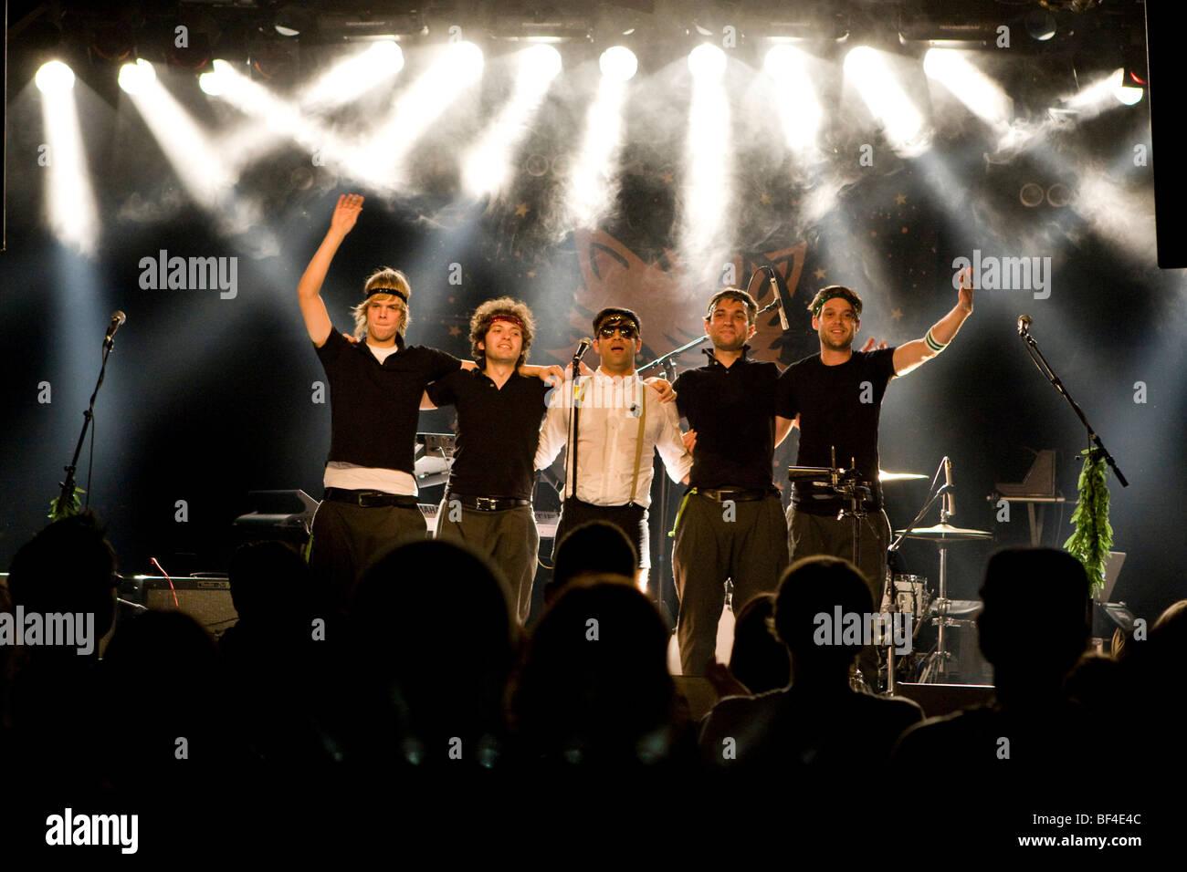 La band tedesca timida Tiger live in Schueuer concert hall, Lucerna, Svizzera Immagini Stock