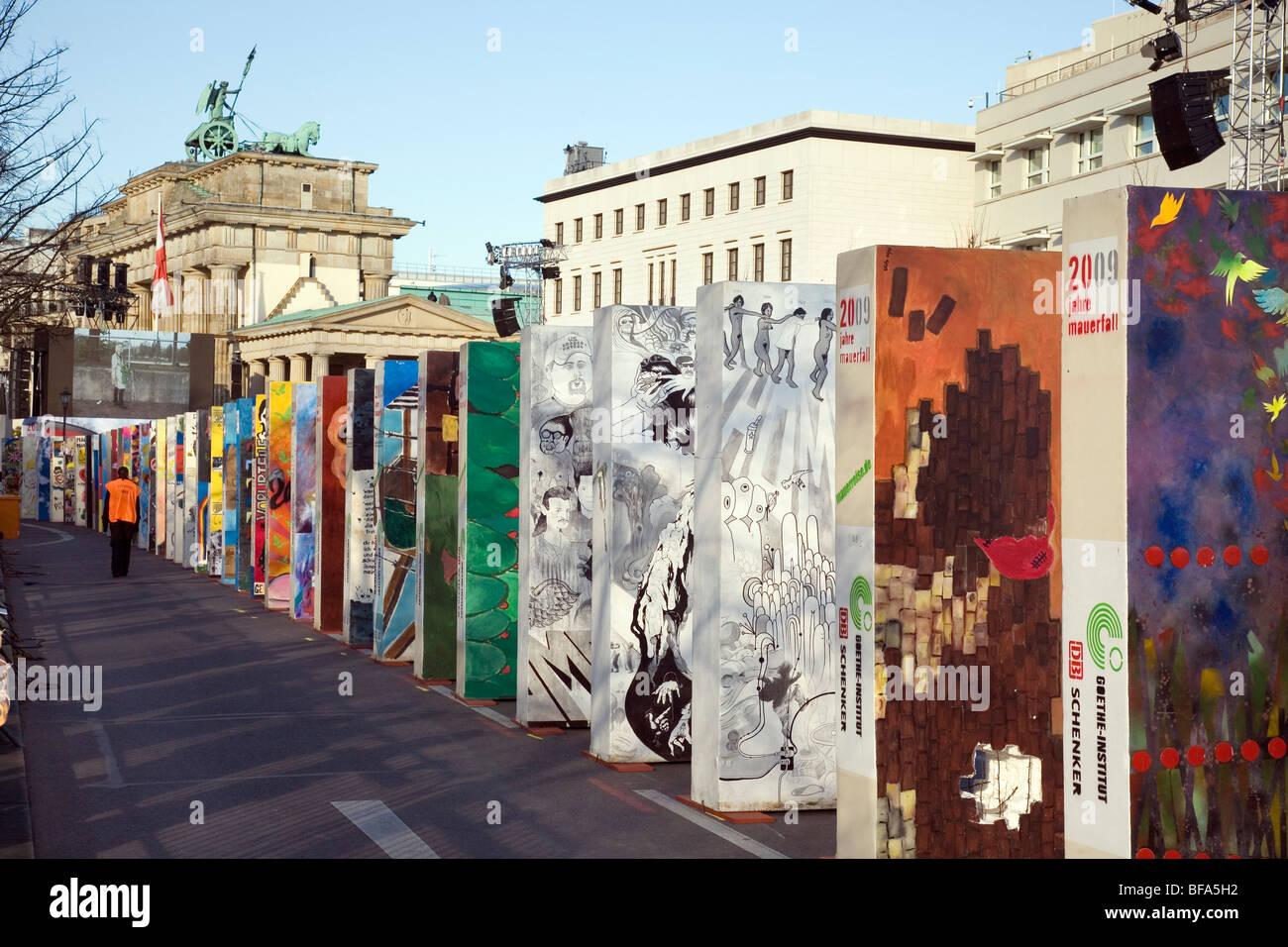 Azione di domino, Mauerfall 2009, Berlino, Germania Immagini Stock