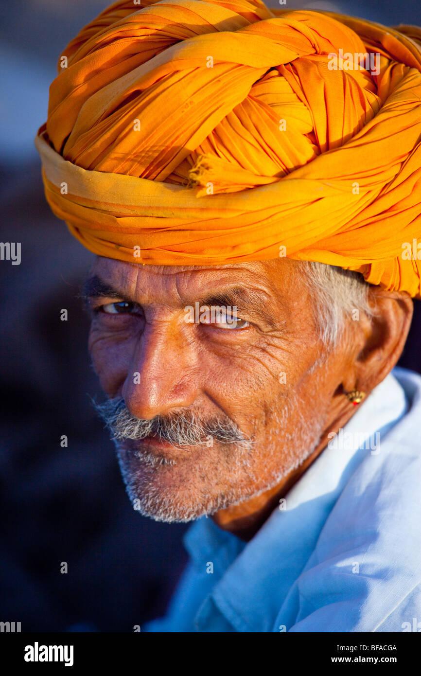 Rajput uomo al Camel Fair in Pushkar India Immagini Stock