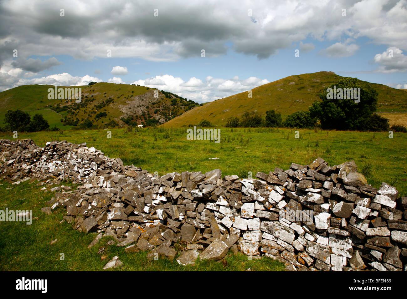 Thorpe cloud e Bunster hill, parco nazionale di Peak District, Derbyshire Dales, Inghilterra, Regno Unito. Immagini Stock