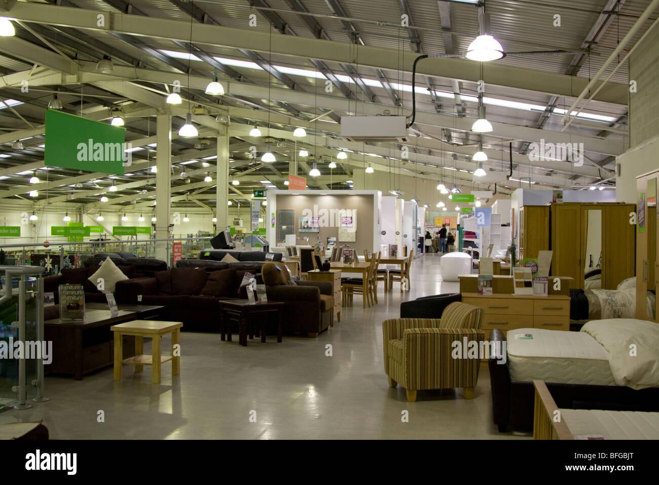 Homebase DIY Arredamento del negozio e del reparto Homewares Aylesbury Buckinghamshire Immagini Stock
