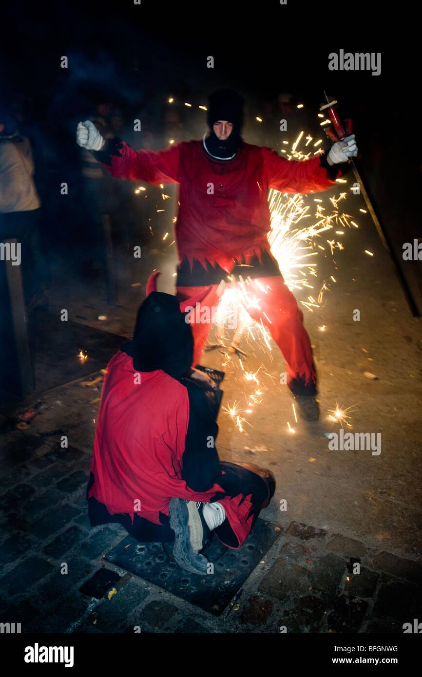 Correfoc festival dei fuochi d'artificio in Girona, in Catalogna, Spagna Immagini Stock