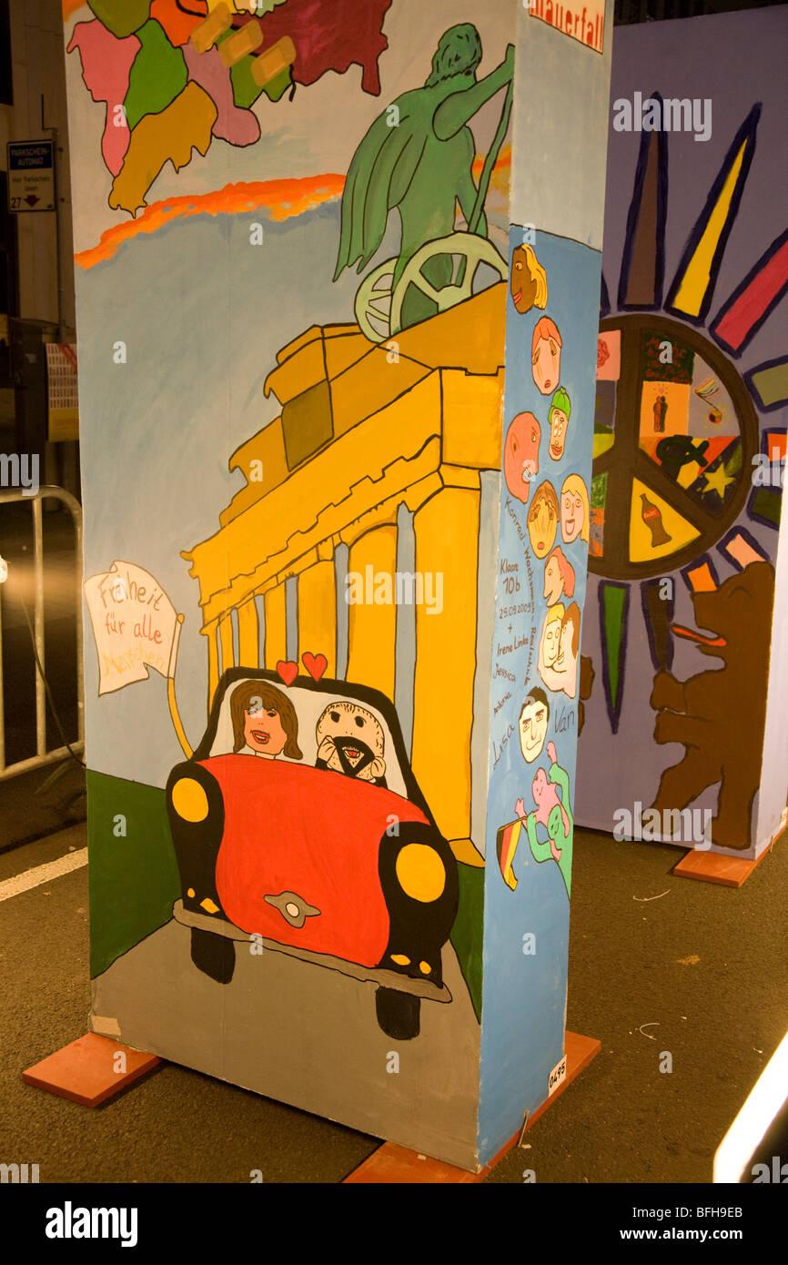 Ventesimo anniversario della caduta del muro di Berlino a Berlino, Germania, novembre 2009. Immagini Stock