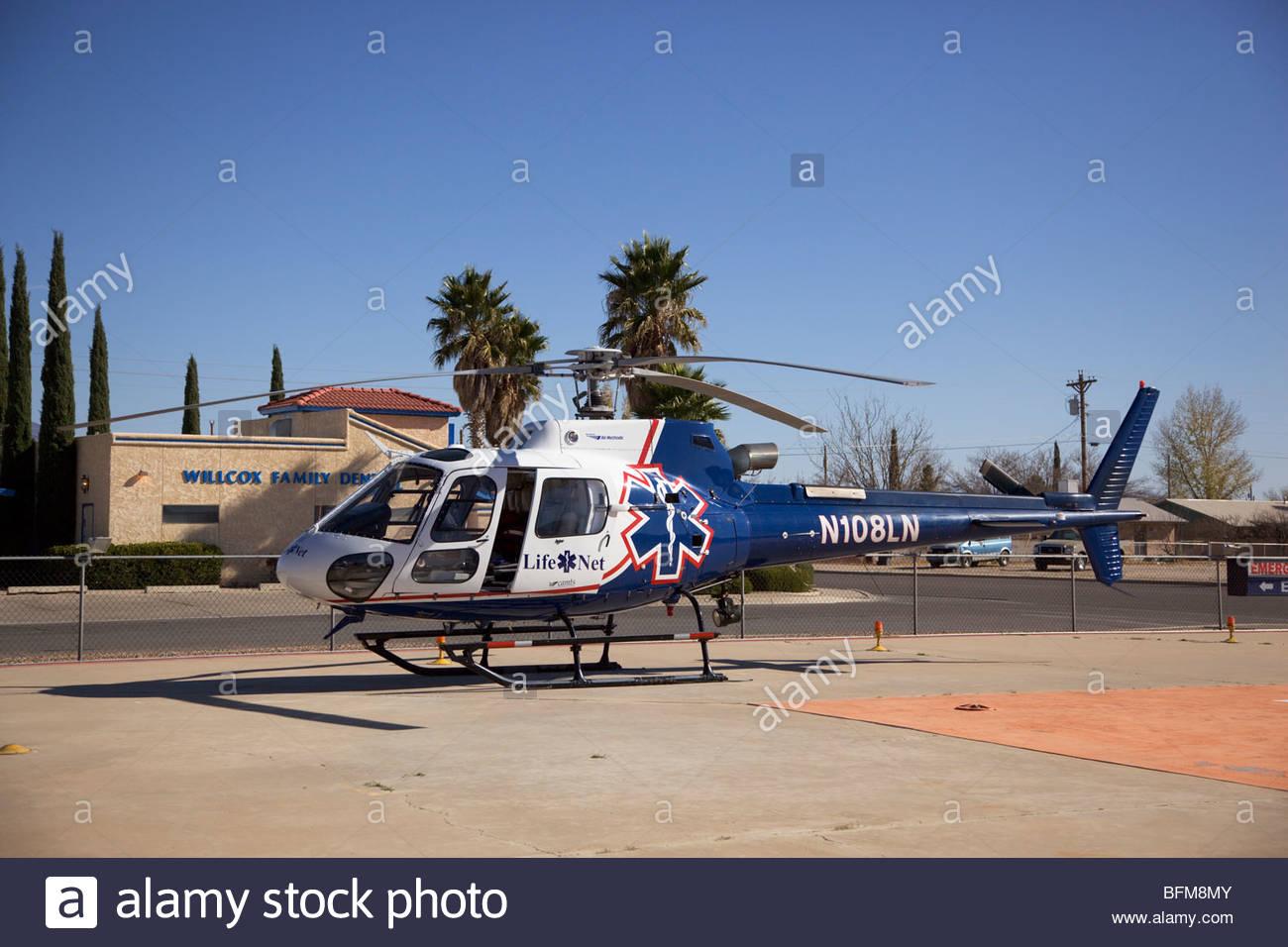 Elicottero B3 : Lifenet eurocopter as b astar elicottero parcheggiato all
