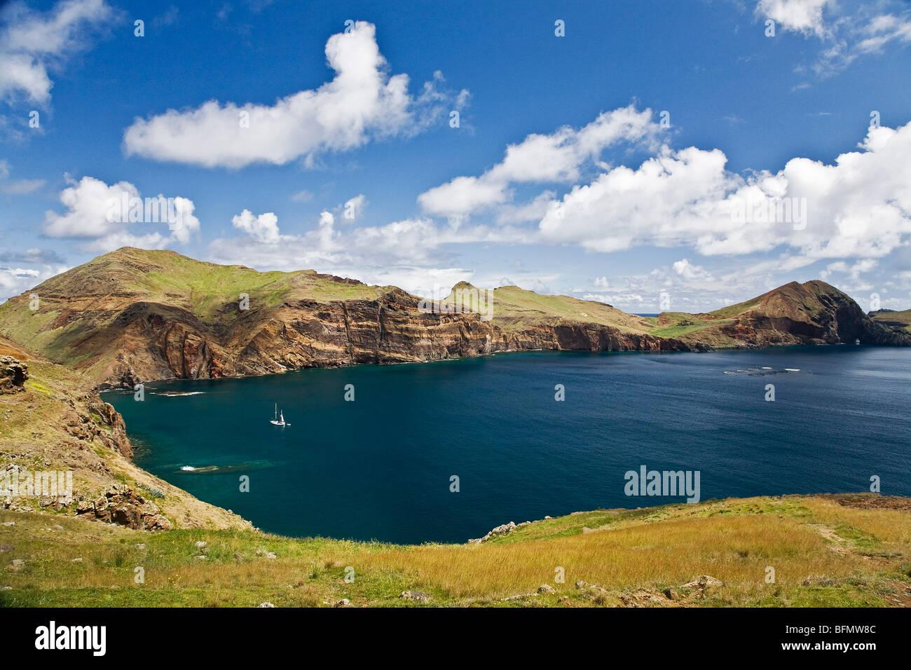 Il Portogallo, Ilha, da Madeira, Funchal, conico. La spettacolare costa rocciosa di conico. Immagini Stock