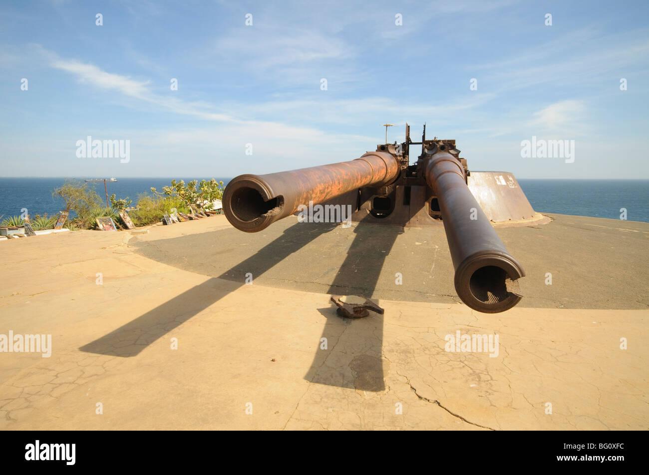 Pistole, isola di Goree famoso per il suo ruolo in schiavitù, vicino a Dakar, Senegal, Africa occidentale, Immagini Stock
