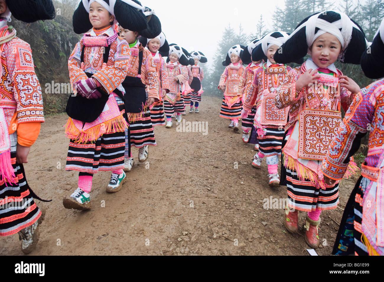 Long Horn Miao il nuovo anno lunare festival celebrazioni in Sugao villaggio etnico, Guizhou, Cina e Asia Immagini Stock
