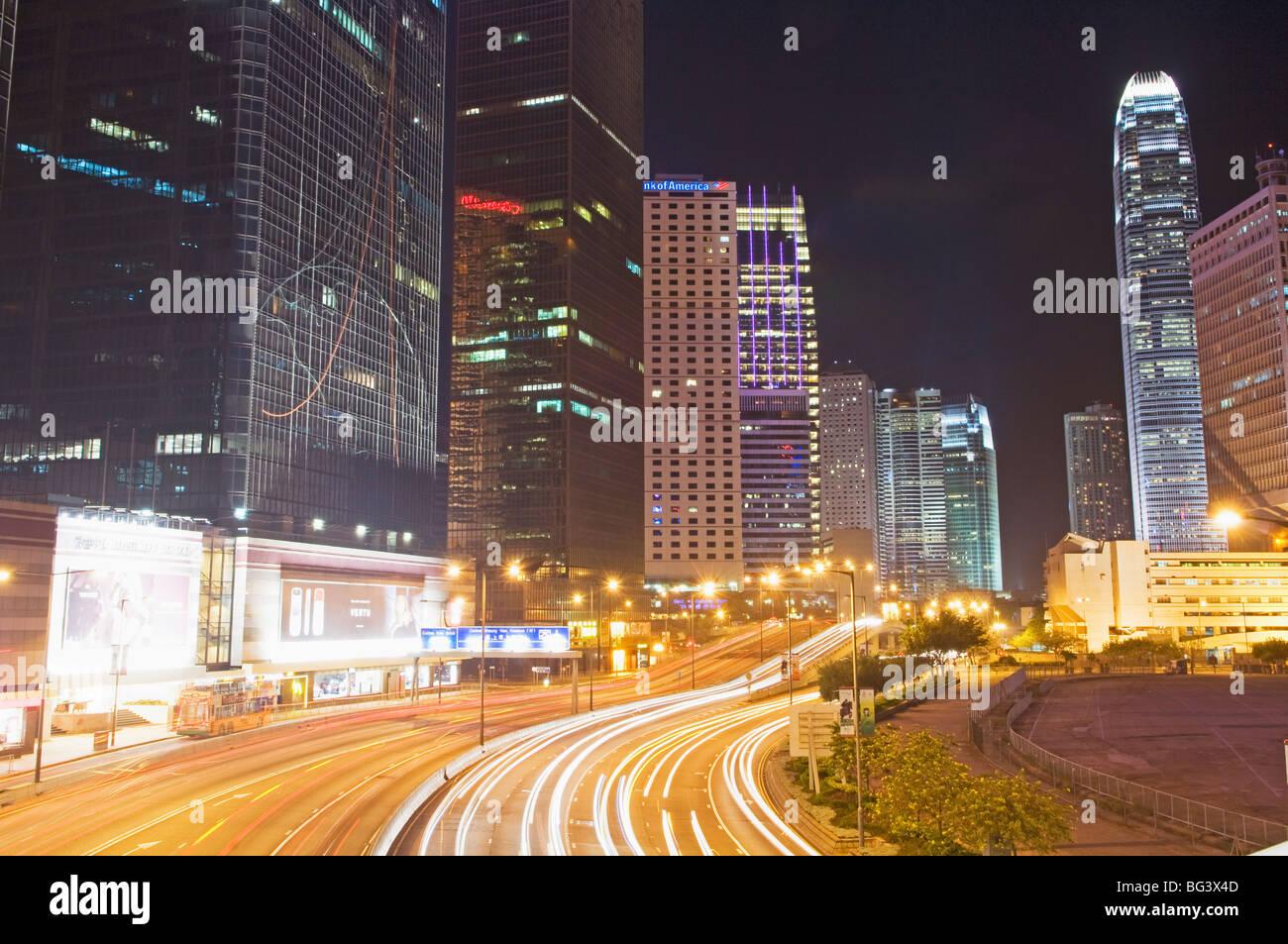 Superstrada che corre lungo il Porto di Hong Kong Foto Stock