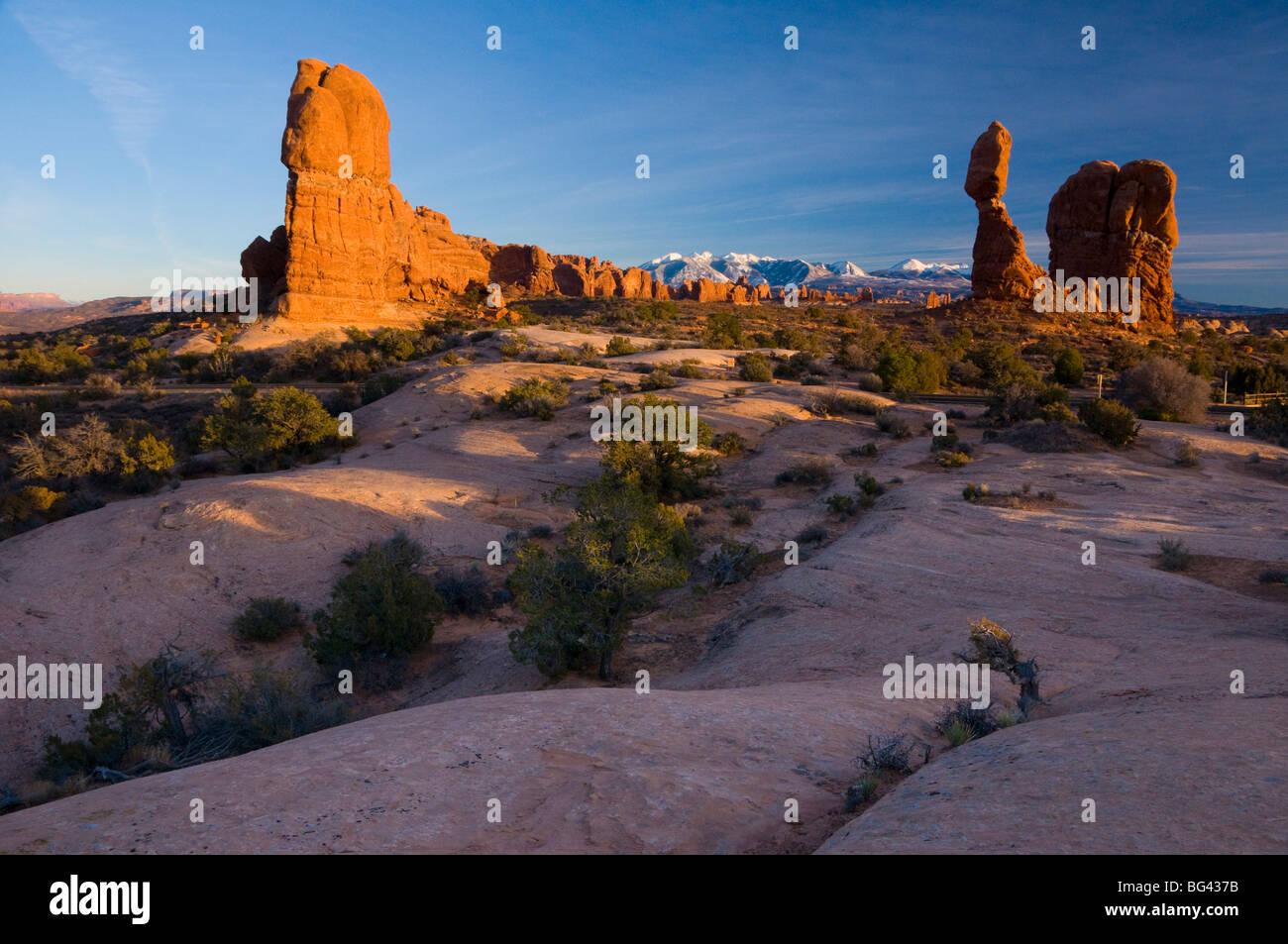 Stati Uniti d'America, Utah, Arches National Park, equilibrato Rock Immagini Stock