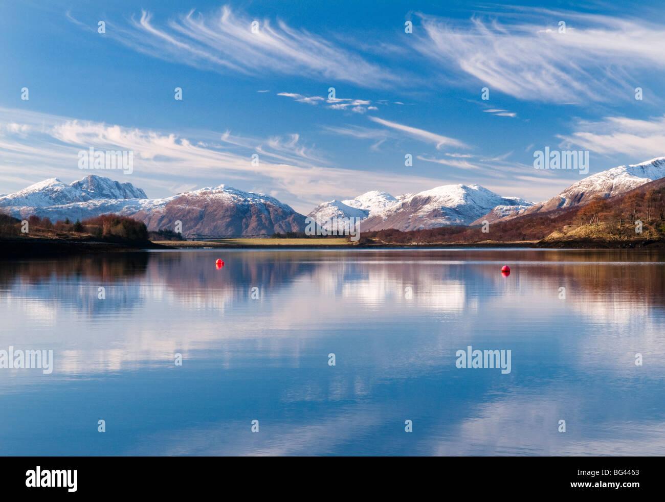 Riflessioni in Loch Leven, Glencoe, Scotland, Regno Unito Immagini Stock