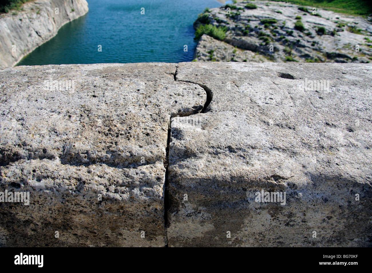 Interbloccato pietre, Pont du Gard, Francia Immagini Stock