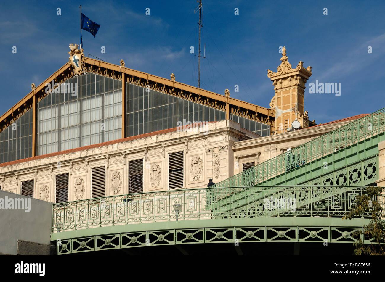 C XIX secolo con facciata in ferro battuto o in ferro battuto di Gare Saint Charles stazione ferroviaria, Marsiglia Immagini Stock