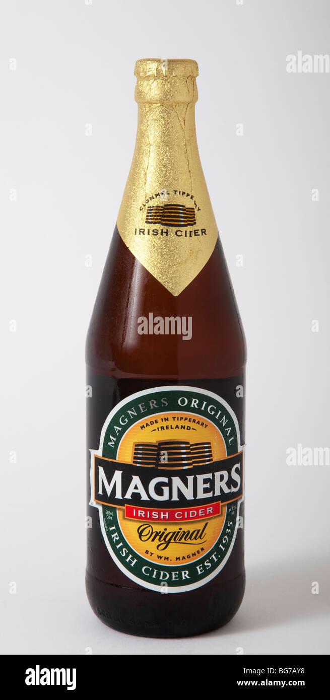 Bottiglia magners sidro irlandese Immagini Stock