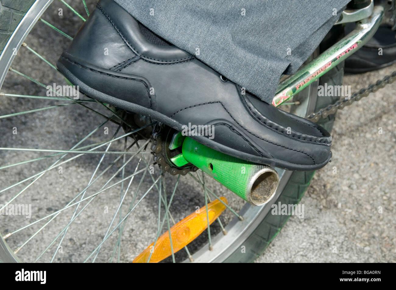 Trucco pioli bmx bike bike ciclo posteriore Pedane pedana piedi pioli piedi feetpeg feetpegs acrobazie stunt raggi Immagini Stock