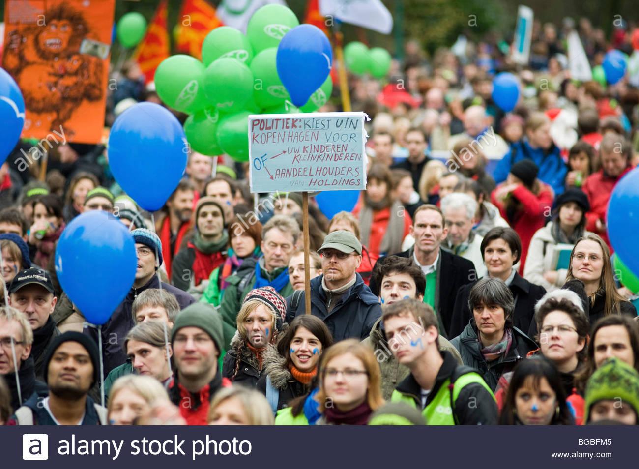 I gruppi ambientalisti di dimostrare a Bruxelles in anticipo di Copenaghen Cambiamenti Climatici vertice di dicembre Immagini Stock
