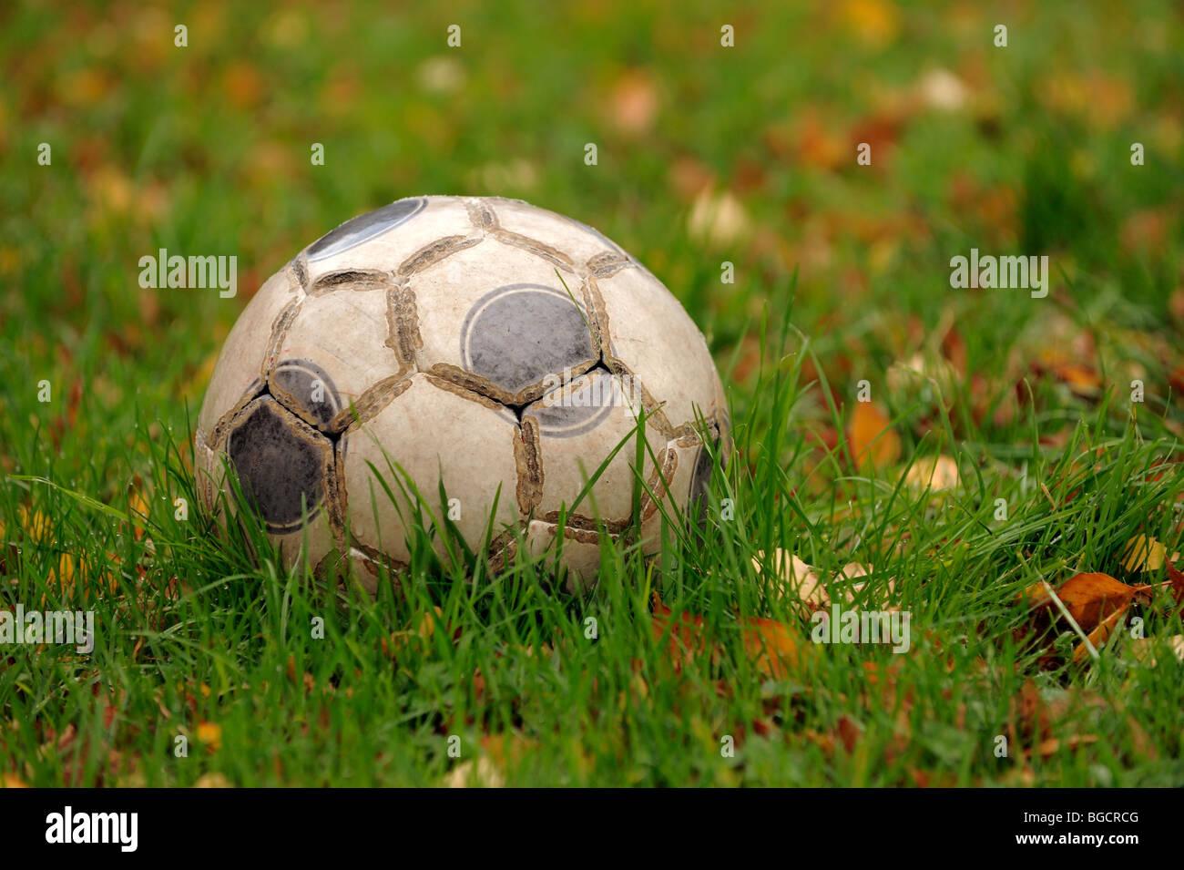 Vecchio calcio in pelle Immagini Stock