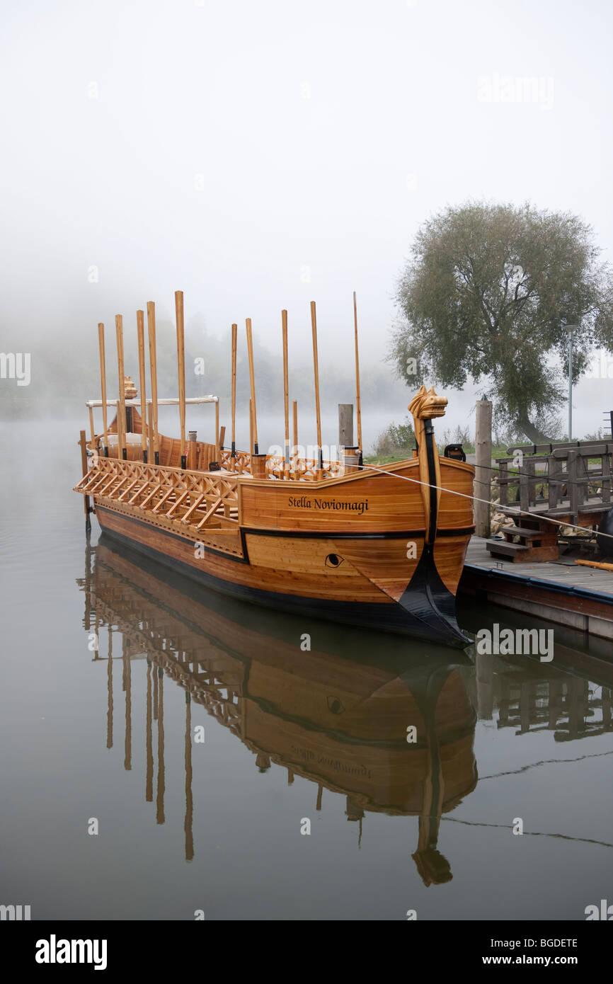 La Stella Noviomagi, replica di un vino Romano nave, Neumagen-Dhron, Moselle, Renania-Palatinato, Germania, Europa Immagini Stock