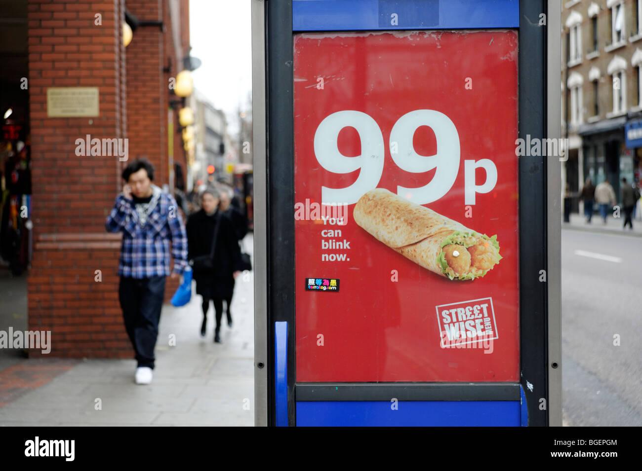 Pubblicità per 99p pasti economici trattare da high street take-away. Londra. Regno Unito 2009 Immagini Stock