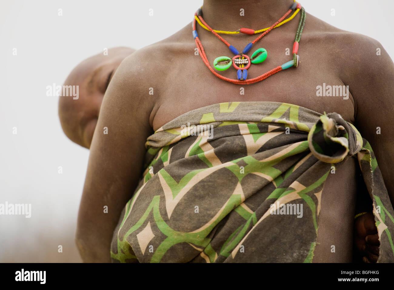 Le ragazze del gruppo etnico Owambo, Namibia settentrionale Immagini Stock