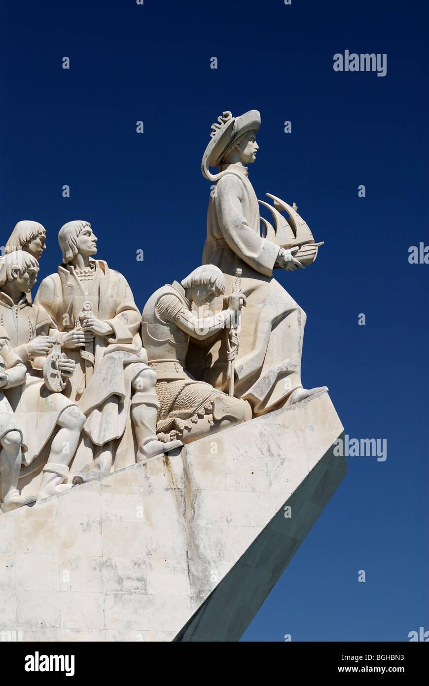 Lisbona. Il Portogallo. Enrico il navigatore si erge a prua del Monumento alle Scoperte Padrao dos Descobrimentos Immagini Stock
