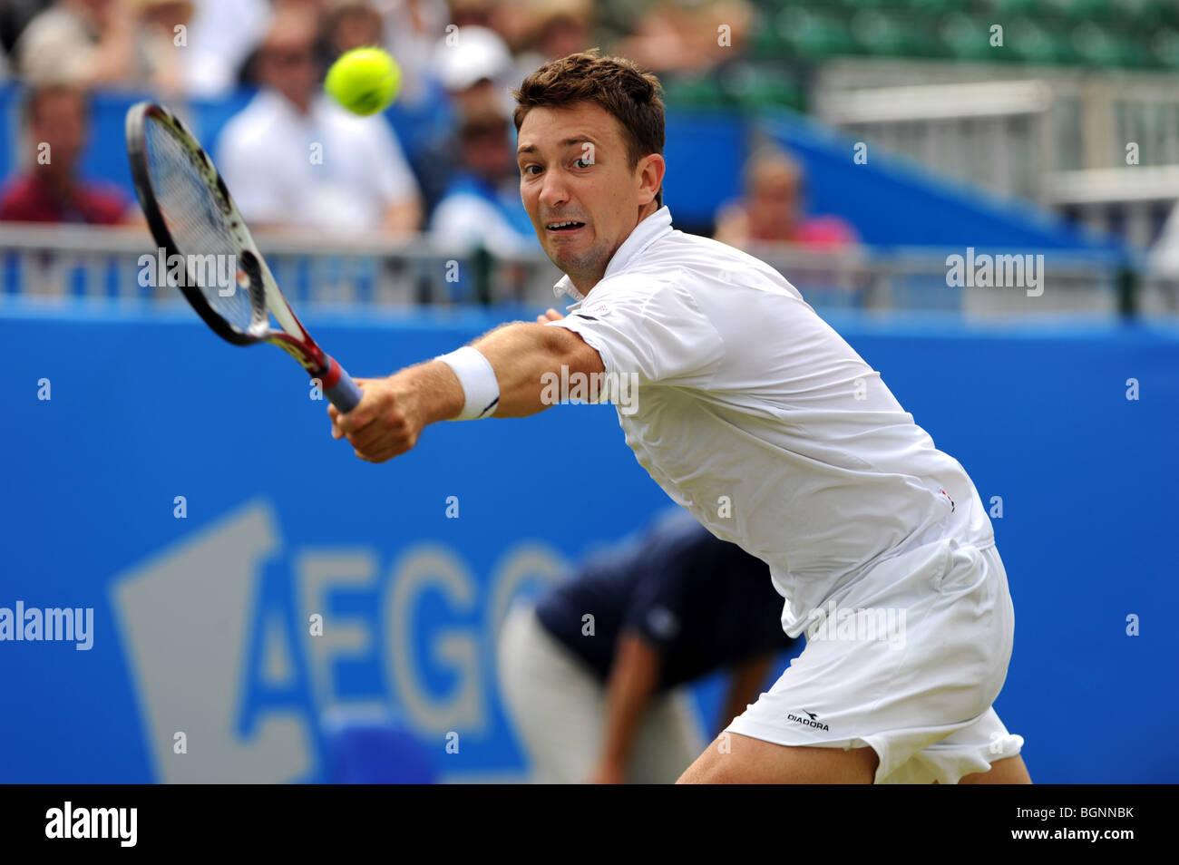 Alex Bogdanovic in azione durante il Aegon International 2009 Tennis campionati a Devonshire Park Eastbourne Immagini Stock
