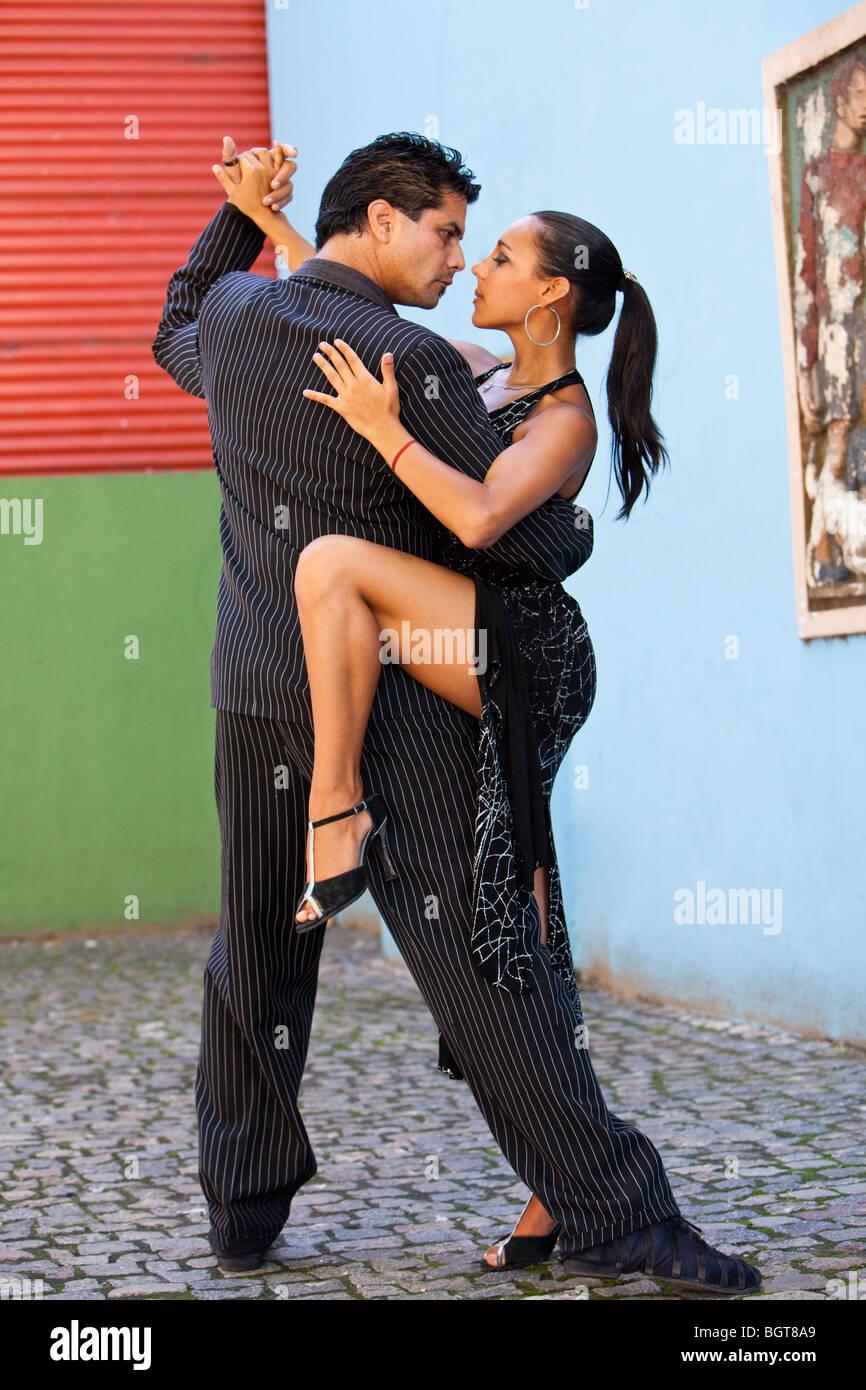 Signor ballerini di tango, all'aperto a Caminito, popolare passeggiata turistica a La Boca, Buenos Aires, Argentina, Immagini Stock