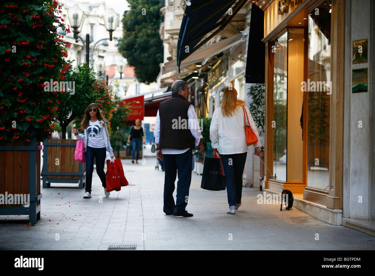 Boulevard des Moulins, la strada principale dello shopping a Monte Carlo, Monaco. Immagini Stock