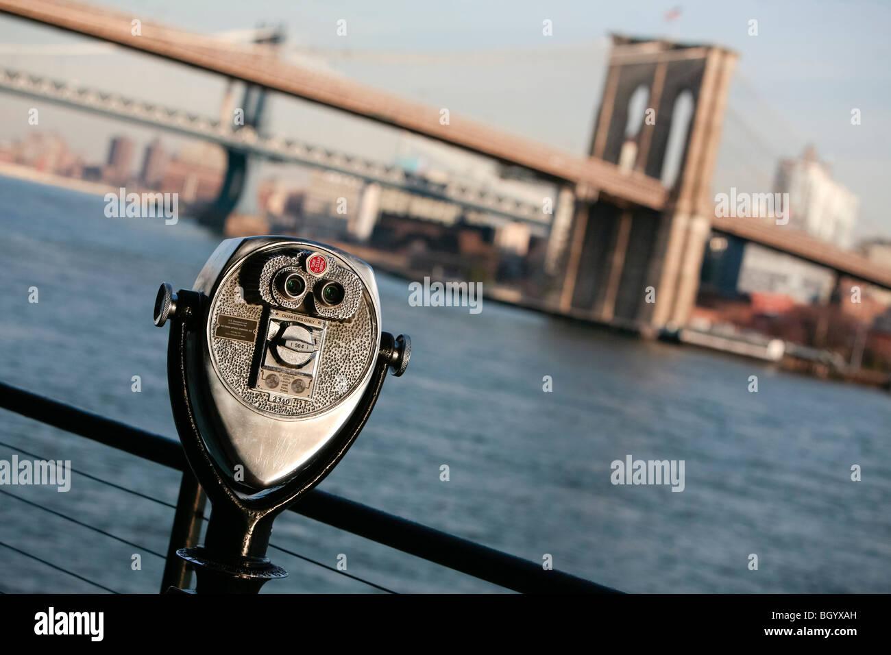 Mirino che si affacciano sulla Brooklyn presso il Molo 17 downtown New York Immagini Stock