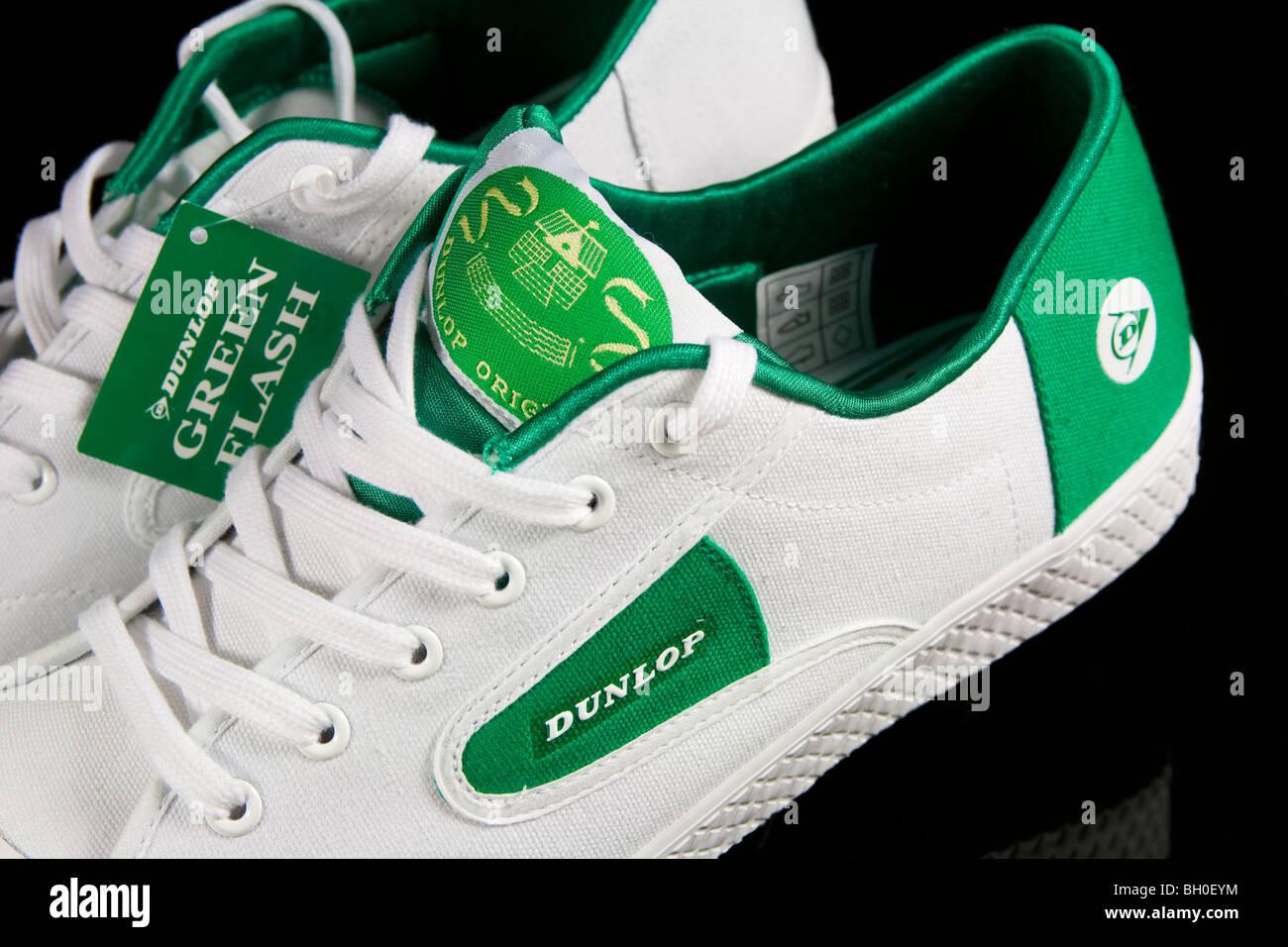 pretty nice 92ec9 d3edc Una coppia di Dunlop Flash verde scarpe da tennis Foto ...