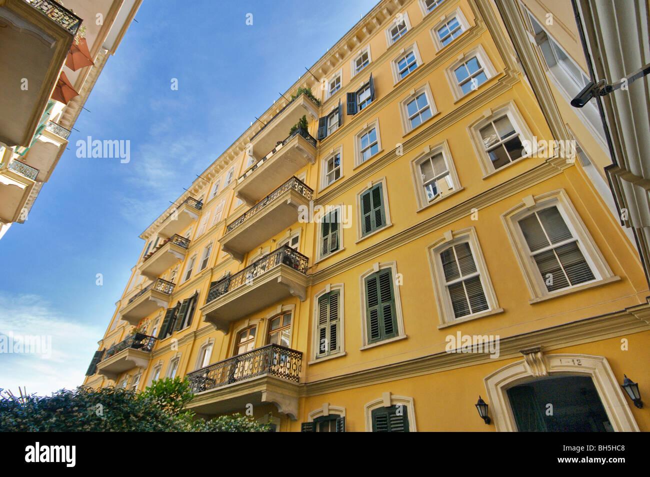 Dogan storico Edificio di appartamenti presso Galata Istanbul Turchia Immagini Stock
